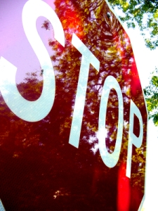 slose up STOP sign